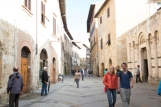 2-stops over exposed. San Gimignano, Italy, tourists, tourist attraction, hill town, Tuscany, Italy